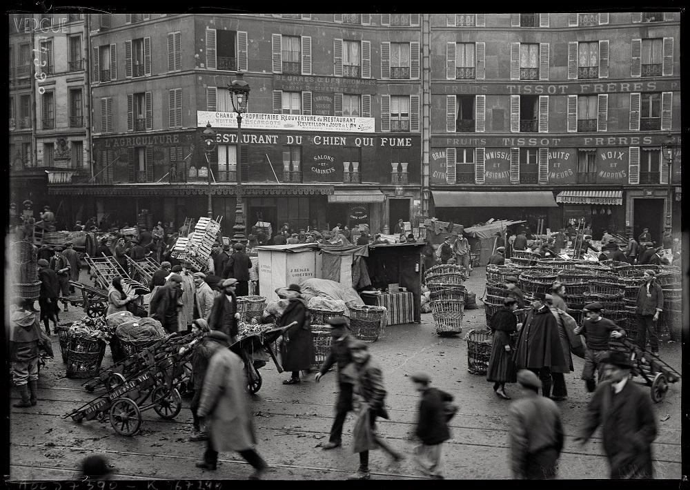 Tournée des Grands-Ducs Restaurant au Chien qui Fume Agence ROL 1919