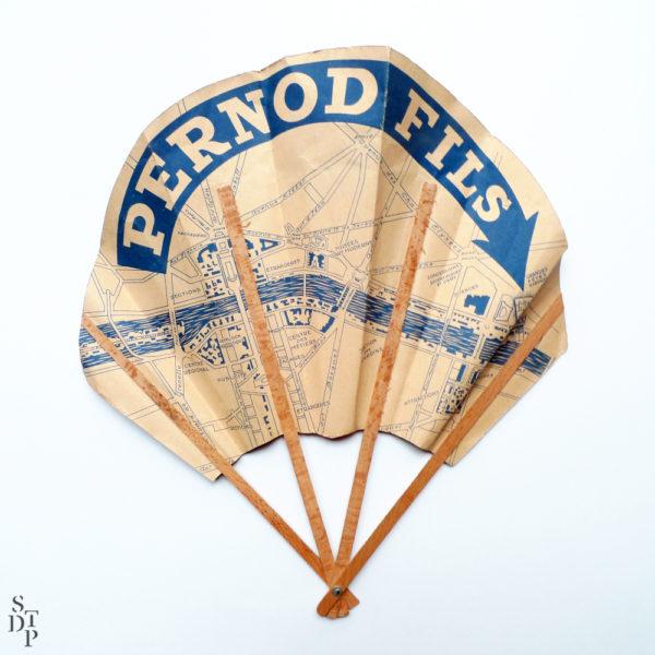 Éventail publicitaire Exposition Internationale de Paris 1937 & Pernod Fils Souviens Toi De Paris vue 3 Paris vintage