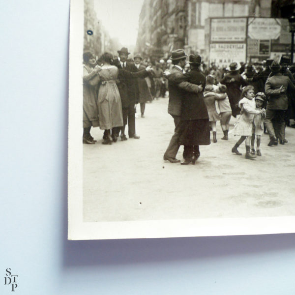 Bal populaire rue du Faubourg Saint-Denis circa 1916 Souviens Toi De Paris vintage photo vue 1 photo ancienne paris vintage