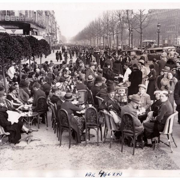 Photo ancienne le Select et sa terrasse les Champs-Élysées 1938 stamp 40 Souviens Toi De Paris vue 0