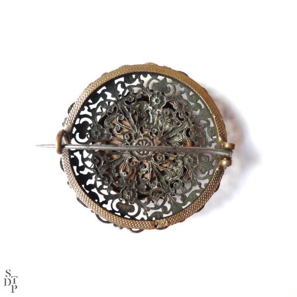 Broche ancienne nacrée Paris - Circa 1900 vue 2 Souviens Toi De Paris vintage souvenir