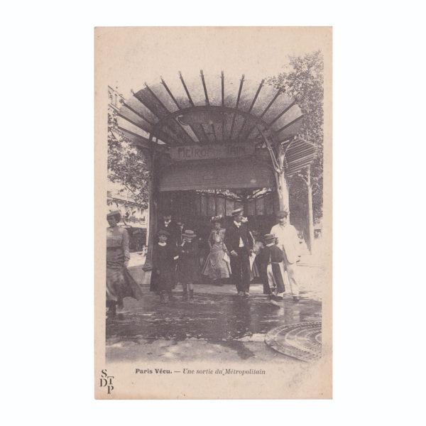 Une sortie du Métropolitain Paris Vécu CPA - 1904 Souviens Toi De Paris vue 0 Carte Postale Ancienne metro paris vintage