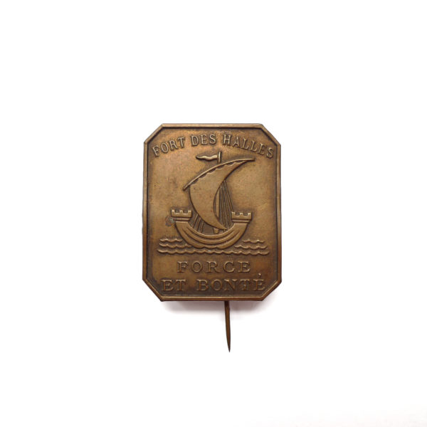 Ancien insigne de fort des halles de Paris devise force et bonté circa 1920 Souviens Toi De Paris parisian vintage souvenir vue 0