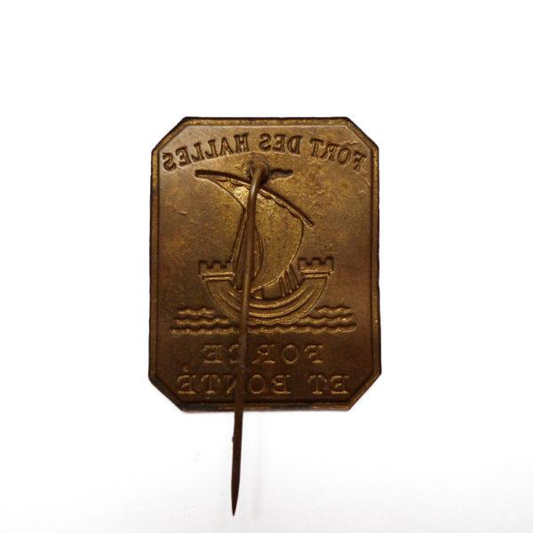 Ancien insigne de fort des halles de Paris devise force et bonté circa 1920 Souviens Toi De Paris parisian vintage souvenir vue 2