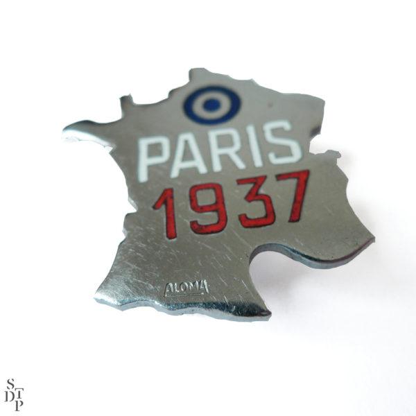 Broche France Paris 1937 Souviens Toi De Paris vue 1 french vintage souvenir