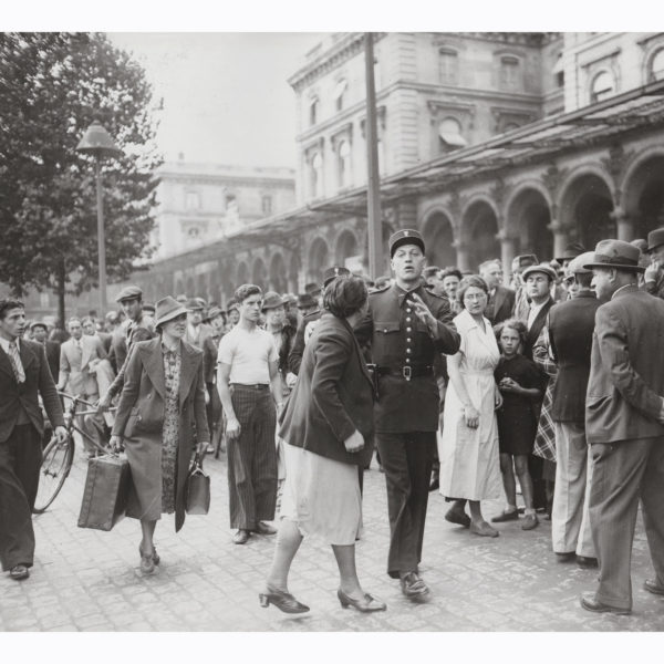 Photographie ancienne Paris Mobilisation et arrestation à Gare de l'Est 1938 Souviens Toi De Paris vintage souvenir vue 0