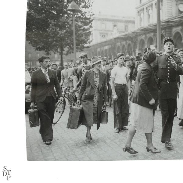 Photographie ancienne Paris Mobilisation et arrestation à la Gare de l'Est 1938 Souviens Toi De Paris vintage souvenir vue 2
