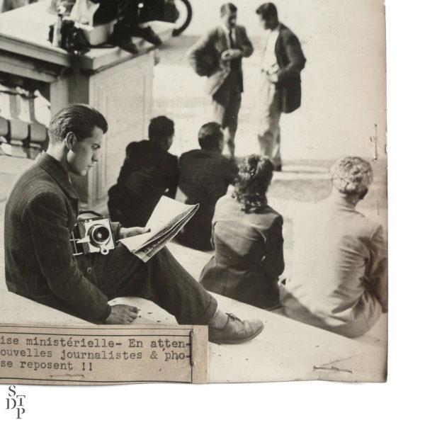 Photographie ancienne journalistes au quai d'orsay pendant la crise ministérielle de 1935 Souviens Toi De Paris vintage photo print vue 2