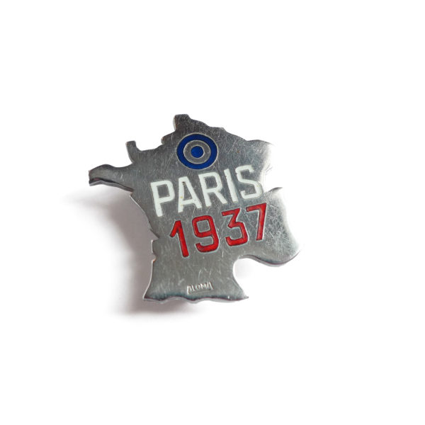 Broche France Paris 1937 Souviens Toi De Paris vue 0 vintage paris souvenir pin