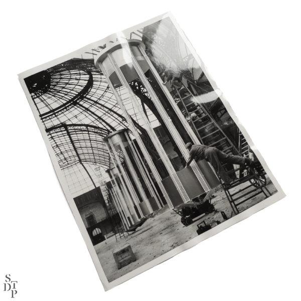 Photo installation lumineuse au Grand Palais 1956 Souviens Toi De Paris vintage photography vue 1