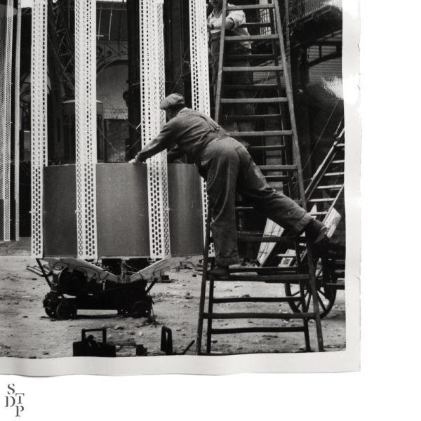 Photo installation lumineuse au Grand Palais 1956 Souviens Toi De Paris vintage photography vue 2